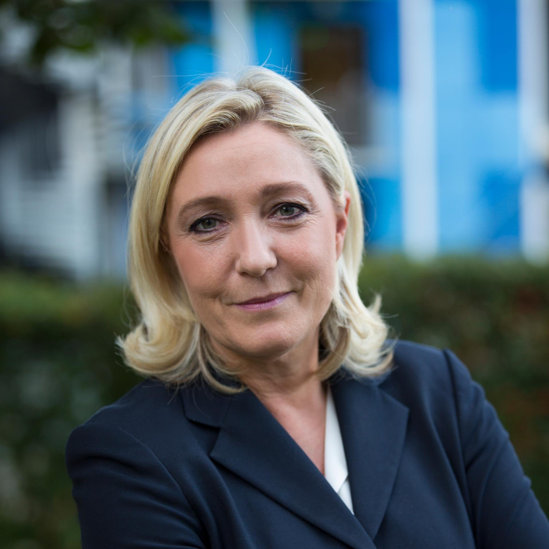 Marine Le Pen is Winning – Vive La France!