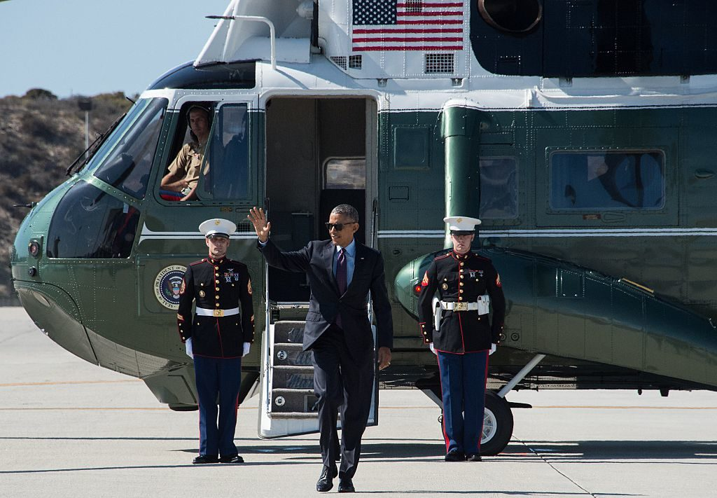 Obama Gives The American People The Finger For One Last Vacation