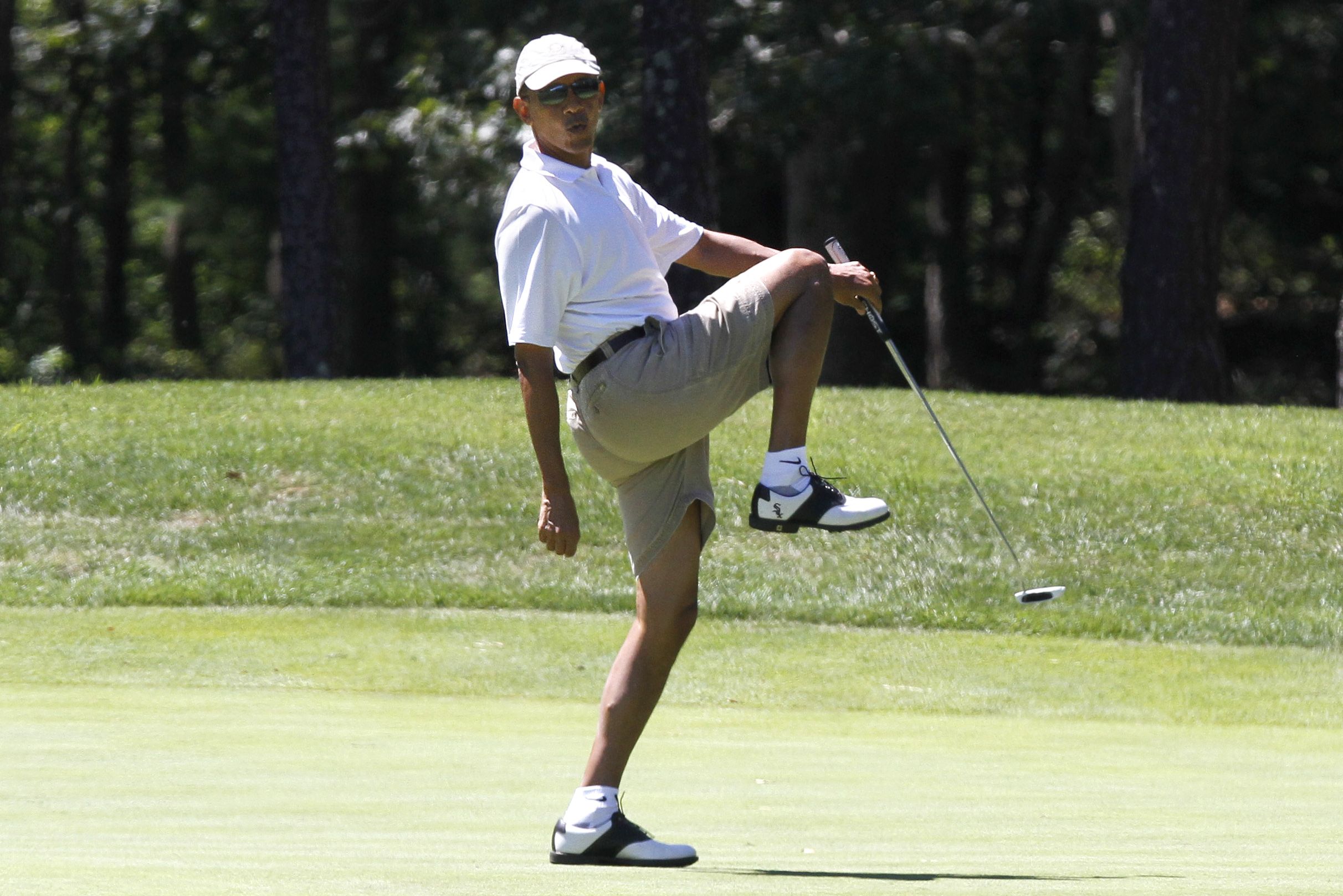 Obama Blackballed at Golf Course for Being 'Hostile to Israel'