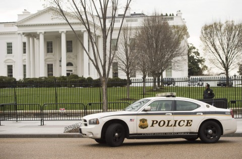Man Arrested Near White House after a False Bomb Threat!