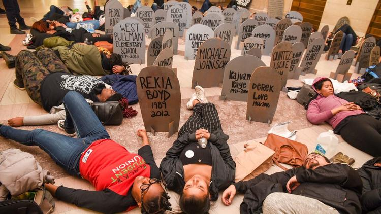 "Moron Youth Stage A ""Die-In"" In Chicago: Demand $95m Be Taken From Police And Given To Community"