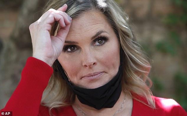Texas Salon Owner Gets 7 days in jail for reopening during coronavirus lockdown